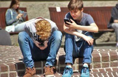 Lærere: Gode mobilvaner er også skolens opgave, selvom telefonen volder problemer